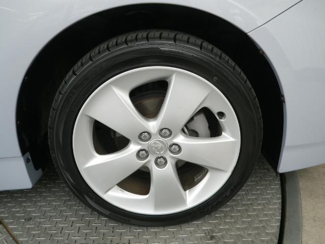 純正17インチアルミホイール タイヤサイズは、215/45R17
