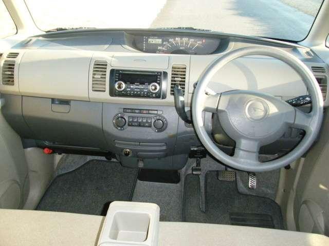CDオーディオ、オートエアコン機能付!快適です!