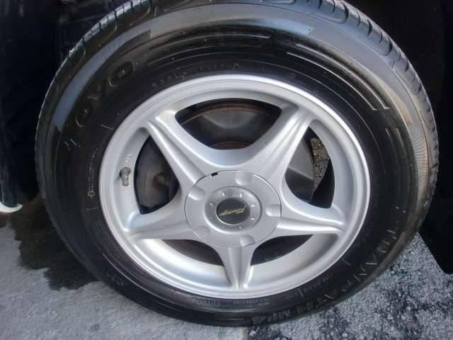 タイヤサイズ 205/65R15 94H。