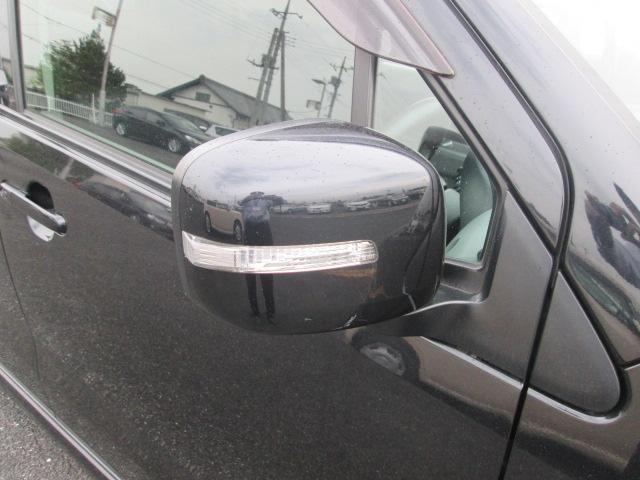ウィンカーミラーで、更にスタイリッシュに☆☆ また対向車からの視認性UPで、安全性も高まりますね♪