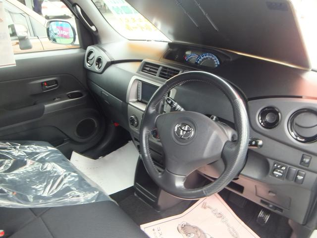 運転席・インパネまわりの画像です♪シートやカーペットなどもプロによるクリーニング済みです。気持ちよくドライブが楽しめますね☆