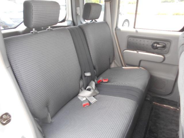 ★後部座席も広々とした空間になっております★