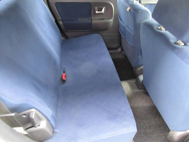 後部座席も当然、綺麗・清潔です。内装の綺麗なお車は気持ちが良いですし、コンディションのいい車が多いです。前のユーザーが丁寧に使っていた証拠です。