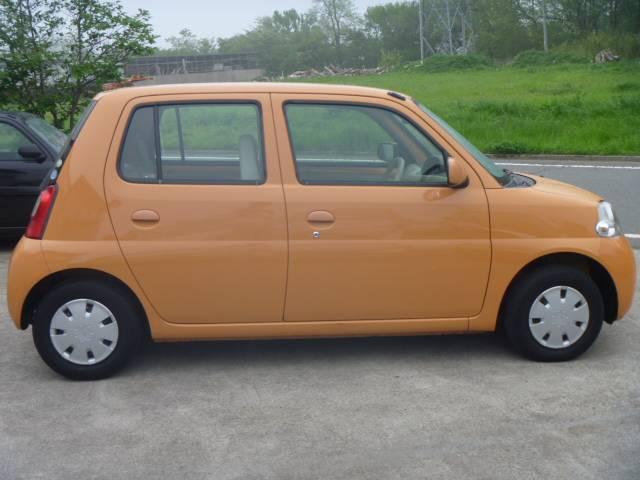 オレンジ色が可愛いですね♪