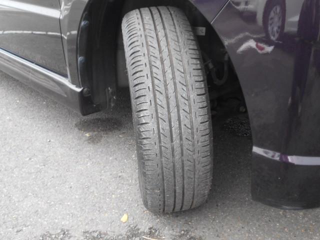 タイヤの溝もまだ残っています