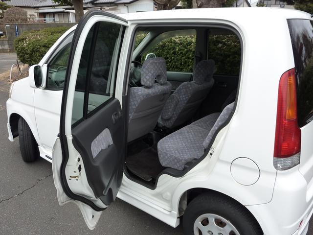 左側後部座席ドアも異常ありません♪きちんと開け閉めできます♪