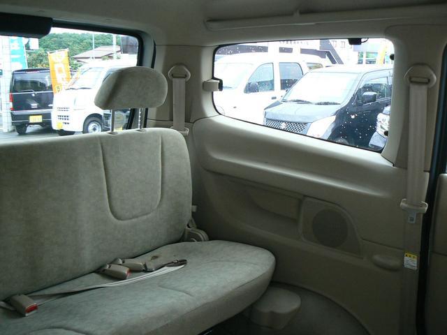 サードシートもゆったり座れてとても快適です!v(^−^)v