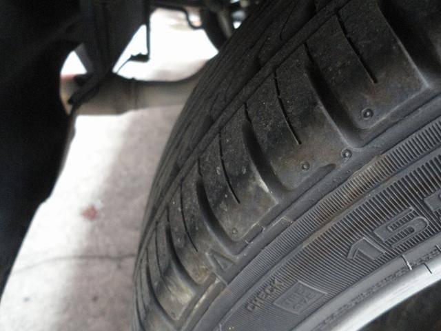 タイヤの溝もまだありますので安心ですね。