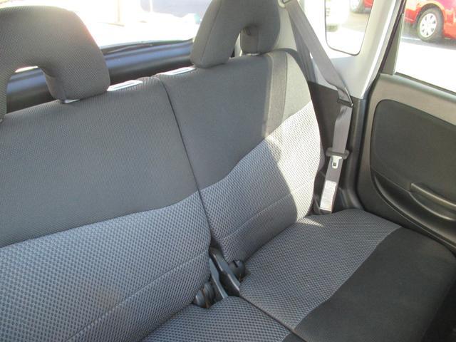 リアシートもゆったり座れて長距離のドライブも快適です(^^)