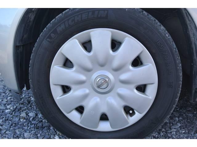 タイヤの溝もまだまだです!格安スタッドレスタイヤも販売できます。