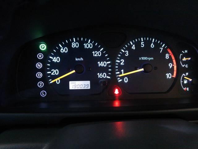 メーターの照明もLEDになってますので、年式を感じず、普段見える場所だけに、気持ちよくドライブできます。