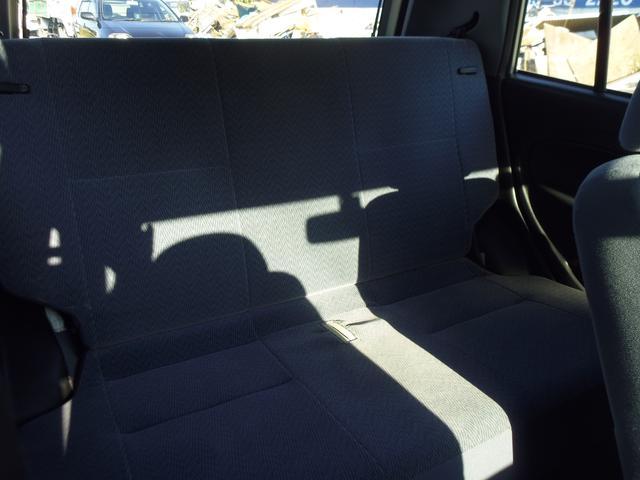 セカンドシート部分もこんなに広々です!大人もゆったり座れますし、お子様も喜んで乗れます♪お問い合わせはお気軽に♪0493−36−2220