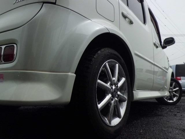 ローアングルもバッチリ決まっております!エアロ・サス交換(ダウンサス・車高調)・タイヤ・アルミ交換も受け付けておりますのでお気軽にご相談下さいませ(__)