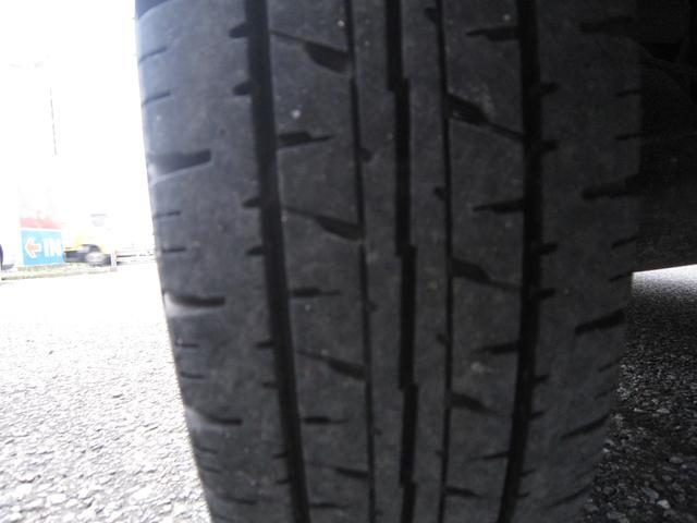 リヤタイヤの残り溝もたっぷりです!