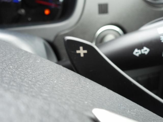 パドルシフト☆ハンドルから手を放さずにギアチェンジが出来スポーティ感覚でドライブが楽しめます♪
