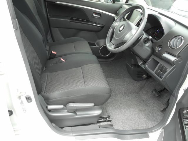 「まるまるクリン」施工済みです♪ まるまるクリンの専任スタッフが、内外装をクリーニング致しましたので、清潔キレイなお車をお届け致します。♪