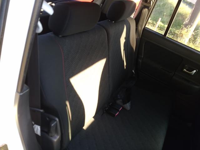 ☆黒ベースのシートですので、汚れを気にする事なく使用する事ができると思います☆