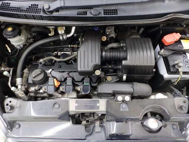 ホンダの技術が詰まったエンジンルームも綺麗です。
