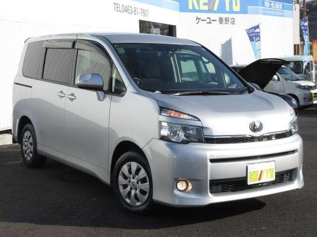 トヨタ ヴォクシー TRANS-X リョウガワジドウドア 2WD