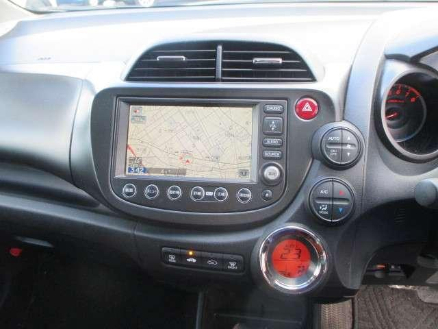 純正HDDインターナビ ワンセグ。  Hondaならではのネットワークを利用し、より楽しめるルートや無駄な燃料消費を減らすルートなどを案内。