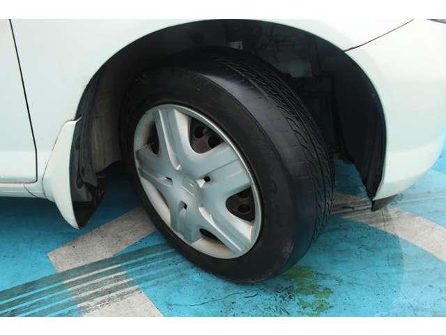 タイヤもまだまだ元気です!安心してお乗りください!
