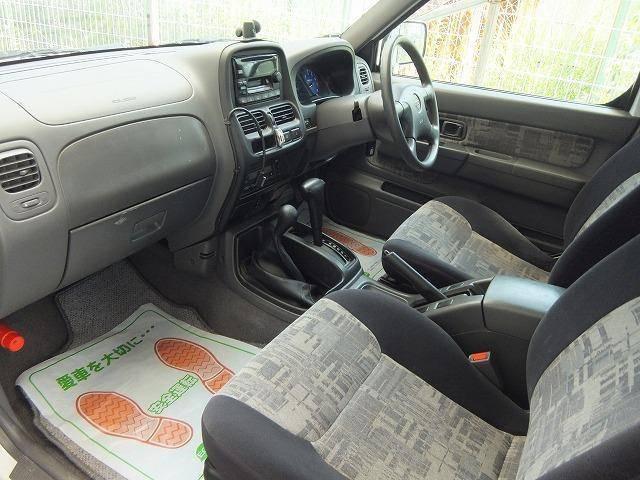 日産 ダットサンピックアップ ダブルキャブ AX 4WD 社外ナビ ワイド