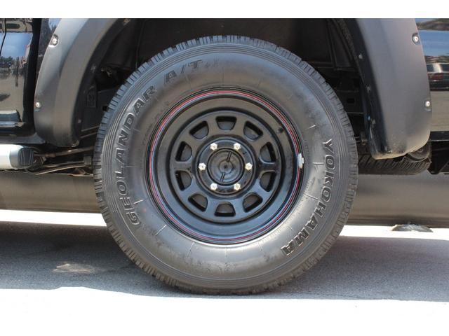 米国トヨタ タコマ 実走行 4WD メモリーナビ トノカバー オーバーフェンダ