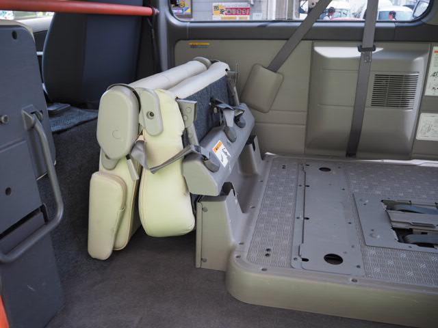 日産 キャラバンバス 福祉介護送迎 車いす2名固定10人乗り ストレッチャー対応