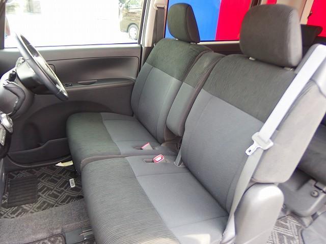 シートやフロアマット、内装までクリーニング致しますのでご安心下さい。別途、消臭クリーニング等もご用意しております。