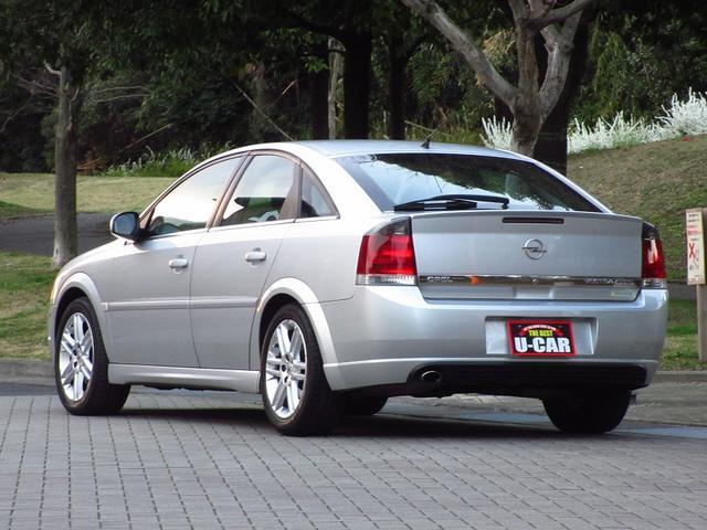 全車1ヶ月(走行距離無制限)保証完備。※別途有料にて長期保証も御用意しております。