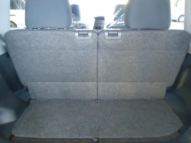 通常使用時でも広々なトランクスペースです。普段の荷物もお任せです。