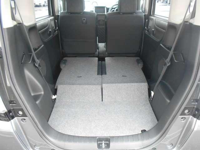 後席はたためば更に広い荷室スペースを確保することが出来ます!