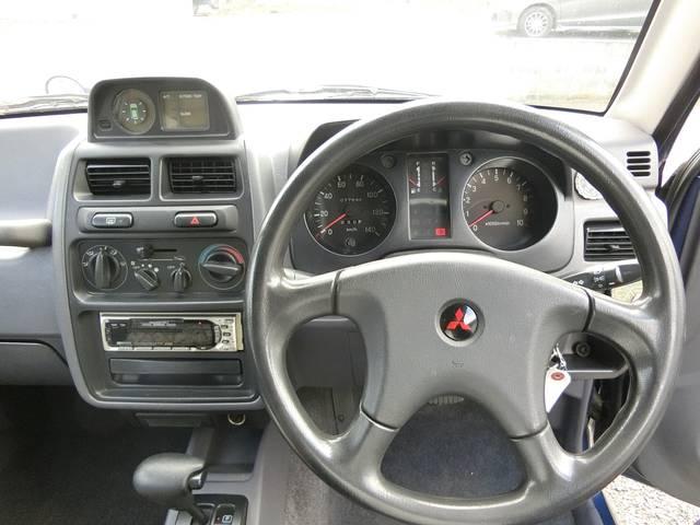 ゆったり運転席!!快適なドライブをどうぞ♪