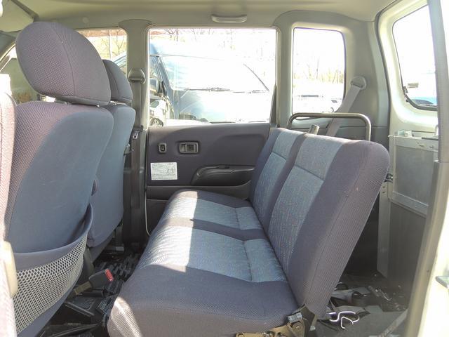 乗車定員 4名 車椅子乗車時には3名様ご乗車いただけます。