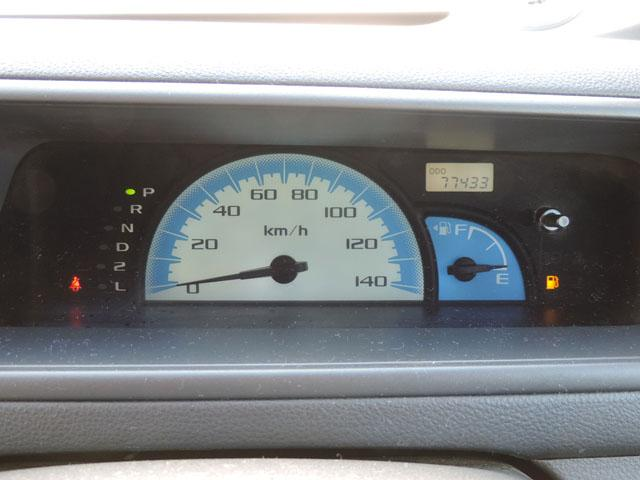 走行距離77,440km まだまだ走りますよ~♪ 前オーナー様はとても大事に乗っていたようで、とても綺麗な一台です☆ 機関系良好ですよ♪  お得で嬉しい車検付き!! 平成29年7月22日まで♪