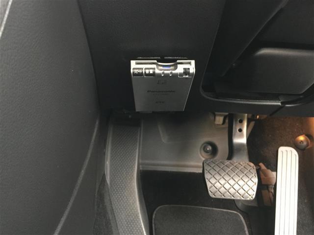 V6 4モーション 4WD 黒レザー HDDナビフルセグ(7枚目)