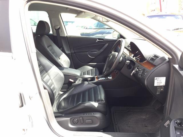 V6 4モーション 4WD 黒レザー HDDナビフルセグ(12枚目)