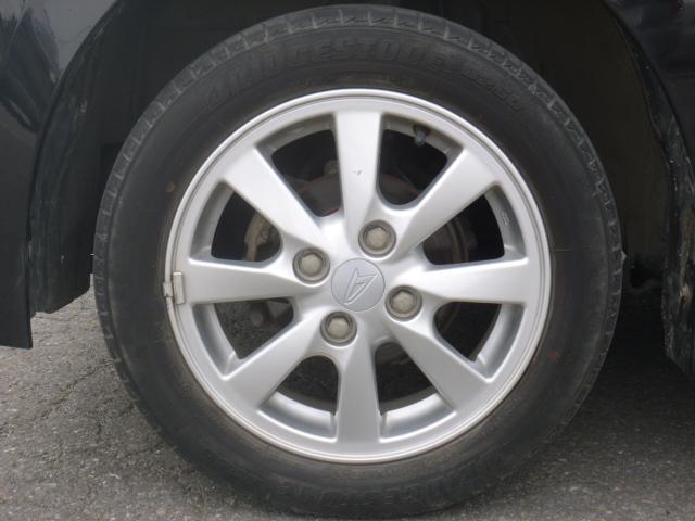 純正アルミホイルです。タイヤは4本新品に交換しました。ブリジストンNEXTRY155/65−14