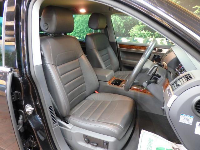 フォルクスワーゲン VW トゥアレグ V6 CDCエアサスペンション装着車 HDDナビ ワンセグ