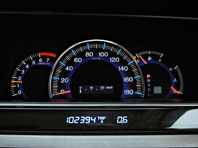 タイミングチェーンが採用されているエンジンでございます。10万km時での交換の必要はございませんのでご安心下さいませ。