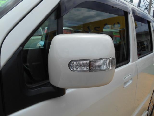 ウィンカーミラーで更にスタイリッシュで存在感も抜群!対向車からの視認性アップで安全性も高まります☆