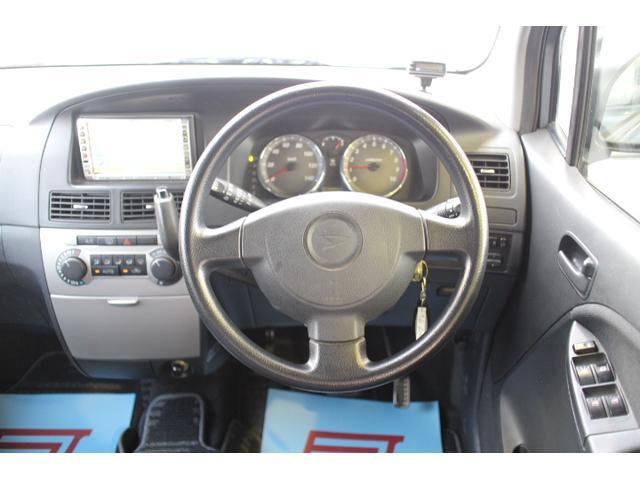 運転席は、使用感がでがちすが、こちらのお車は、とってもきれいです。足元ゆったり!かっこいいハンドル! 是非一度、ご来店ください!無料でお見積り、試乗も可能です。 きっと良さが伝わります☆