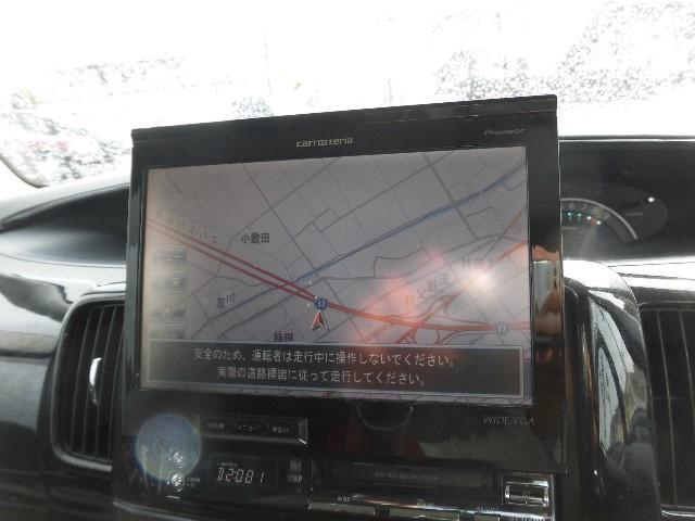 目的地までの道案内役は、純正のHDDナビです。操作も簡単で使いやすいですよ。