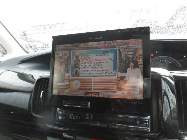 CD・DVDの再生にフルセグTVも付いて付いています。