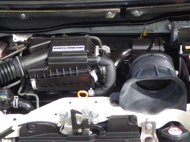 ご成約のお車を当店整備工場にて車検整備してからお渡しします!★Honda純正部品を使います。