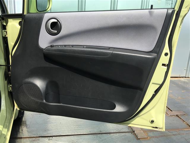 【オプション】最新の技術で室内の除菌・脱臭を行っております。お子様も安心してお乗り頂けるキレイなお車をお楽しみ下さい。お問い合わせは【無料通話】TEL:0120−901−691までお待ちしております。