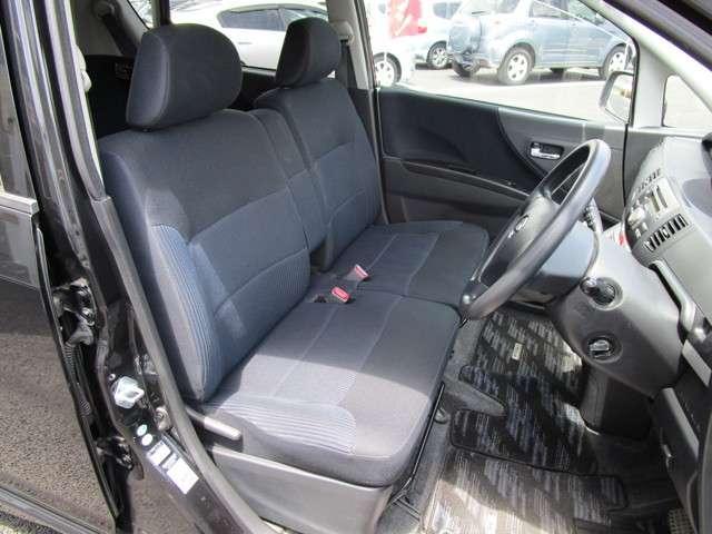 ゆったりとした運転席スペースになります!