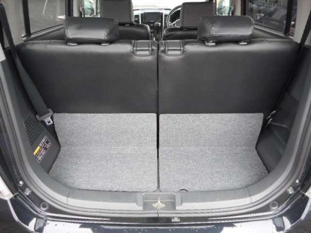 2列目座席使用時の荷室★