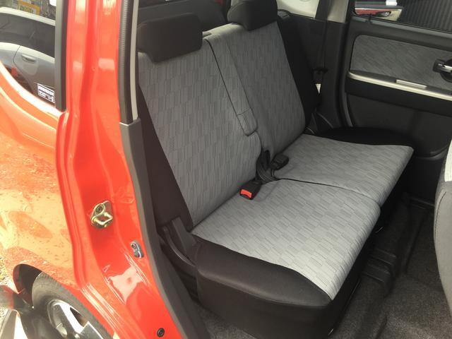 後部座席2列目のシートもとても綺麗な状態を保っております♪このような車種でこの状態をキープできているのはなかなか珍しいですよ♪