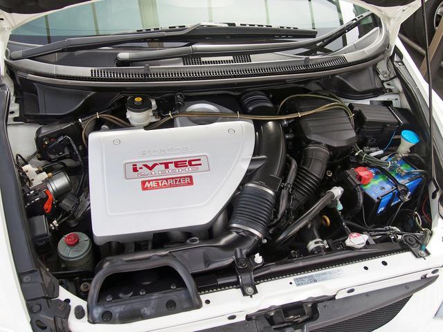 搭載されるエンジンは、i−VTEC/2.4DOHCエンジンを搭載してます☆ MTモード付きのATシフトでスポーティーですね☆ フルスポイラー クルーズコントロール パワーシートを装備しております☆